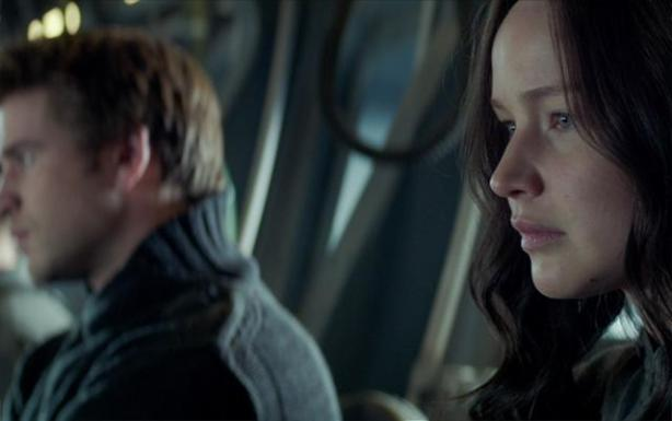 mockingjay-part-1-trailer-still-3-katniss-gale
