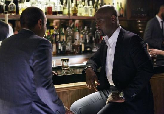 Suits-Derailed-Season-4-Episode-14-08-550x383