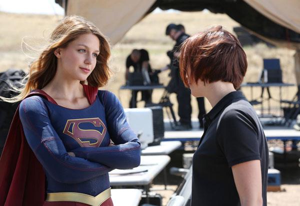 Supergirl-Stronger-Together-600x413